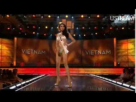 Miss Vietnam Universe 2009 swimsuit . Vo Hoang Yen.