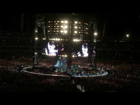 Adele Perth Concert (Set Fire to Rain and Rolling in the Deep) - Australian/NZ Tour