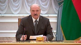 Лукашенко подтверждает возможность обсуждения в будущем внесения изменений в Конституцию Беларуси