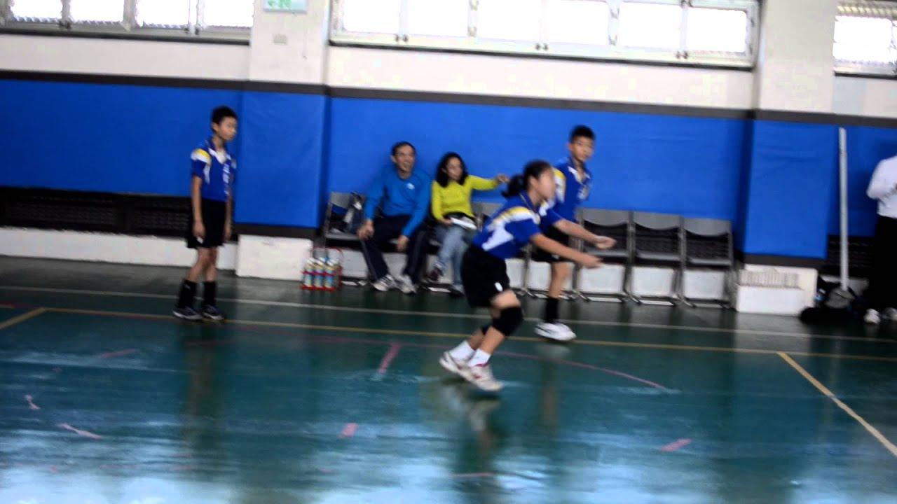 五常國小 2012中正杯 排球比賽 - YouTube