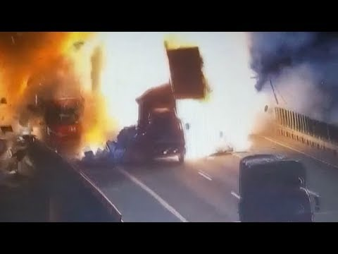 Truck-van collision causes explosion in E Chinese city
