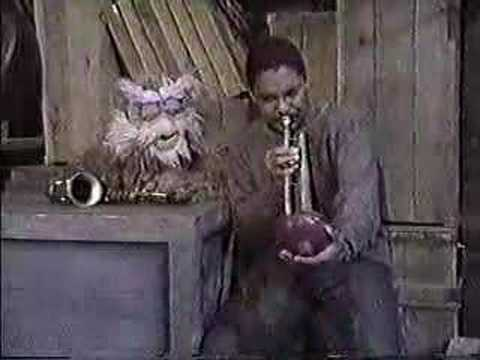 Classic Sesame Street - Hoots and Wynton on notes
