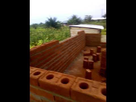CONSTRUCTION EN BRIQUES DE TERRE STABILISEES A DOUALA - BONABERI
