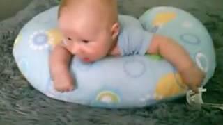 тестирование подушки для кормления Chicco Boppy