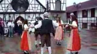 Bailes típicos alemanes en la Colonia Tovar de Venezuela2