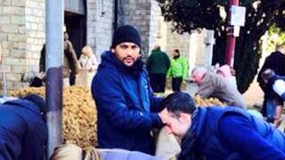 MKA Breaking News: Ahmadiyya Muslim Youth help Churches fight the UK Floods
