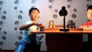 Шпагат на стульях и три вида мата в шахмате