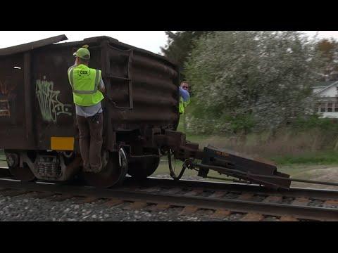 Ep. 440: CSX Train Ripped Apart - Railcar Destroyed!