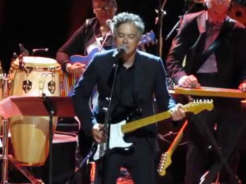 """M. Ward Complete """"HERE COMES THE SUN"""" at Global Citizen Live"""