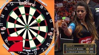 Entscheidungsspiel in Gruppe A: Hambüchen & Anderson vs. Brandao & Cross | Promi Darts WM Video