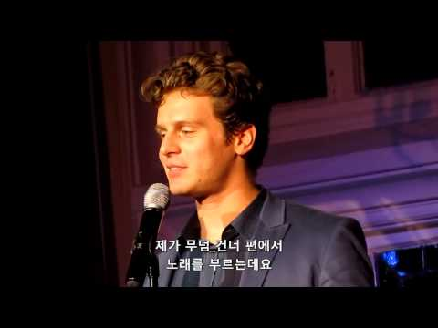 """Jonathan Groff-Forgot the Words to """"Left Behind"""" @The Cabaret [Korean Sub.]"""