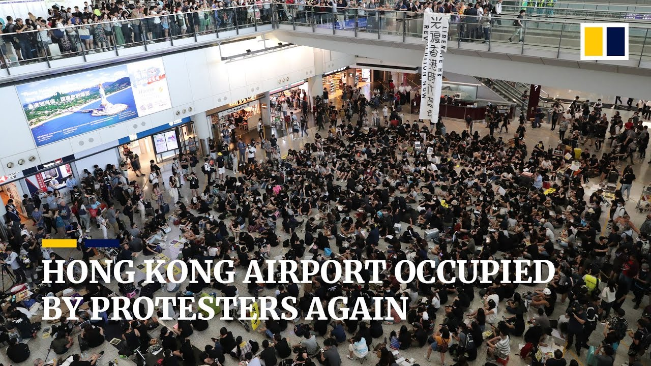 Hong Kong airport: hundreds of flights cancelled ahead of further protests