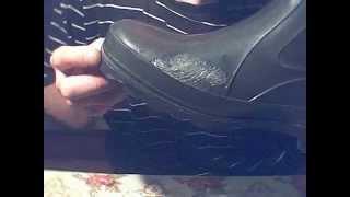 видео Как заклеить резиновые сапоги из ПВХ или Эва в домашних условиях