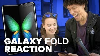 People react to trying the Galaxy Fold