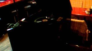 秩父の喫茶店「木亭」 実際にお店のBGMで蓄音機をかけてくれるなんて、...