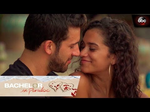 Taylor and Derek Get Closer - Bachelor In Paradise
