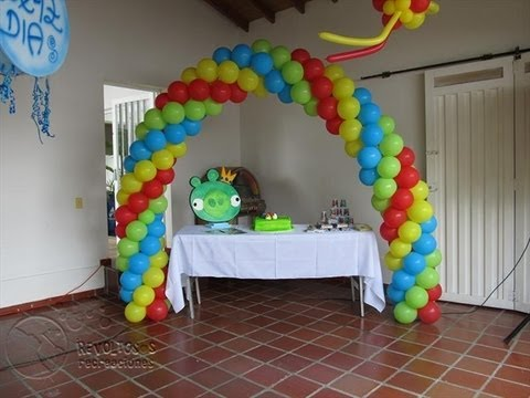 Decoracion con globos angry birds youtube for Decoracion simple con globos