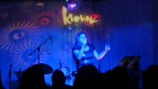 osang sings SIAKOL MEDLEY SONGS @ KLOWNZ QUEZON AVENUE