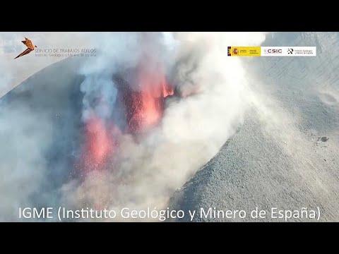 Volcán de La Palma   Viaje al cráter del monstruo que bombea lava a 1250 grados de temperatura