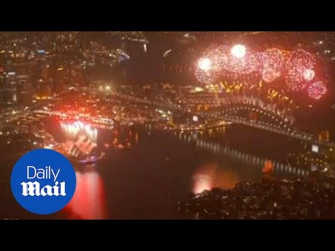 New Zealand and Australia welcome in New Year with fireworks - Daily Mail