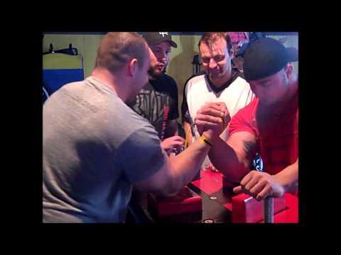 Chris Chandler Armwrestling Travis Bagent