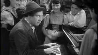 a night at the opera (1935) - Chico Marx at the piano