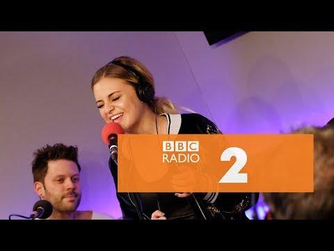 Kelsea Ballerini - Apologize (OneRepublic & Timbaland cover, Radio 2 Breakfast Show Session)