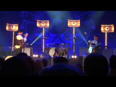 Mumford & Sons - The Boxer & Awake My Soul (night #3) with Jerry Douglas & Dawes