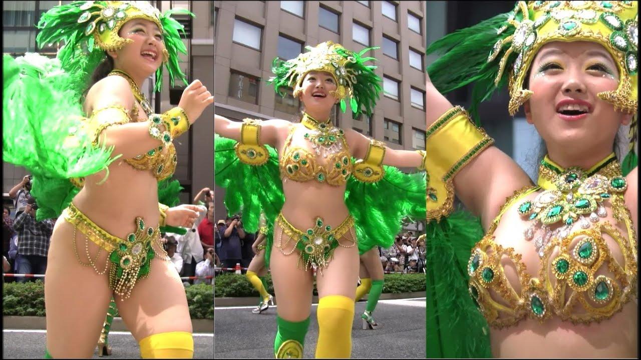 サンバ青姫 黄金衣装 1列からの撮影 近い!サンバストリート神戸まつり Escola De Samba Kobecco Samba in Japan