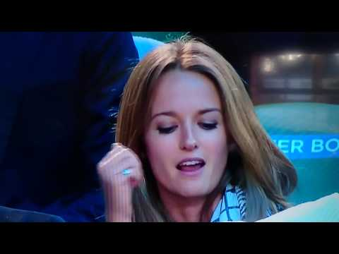 What Is Kim Sears Saying Here? :0