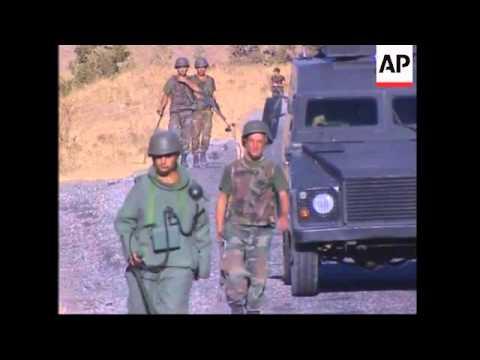 Turkish troops patrol tense border with Iraq