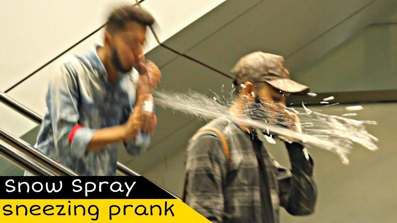 Sneezing Prank On Escalator | Weird Sneezing | Amanah Mall | Prank In Pakistan