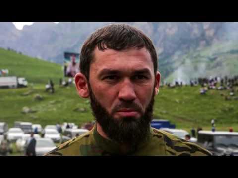В Дагестане заблокировали колонну машин из Чечни