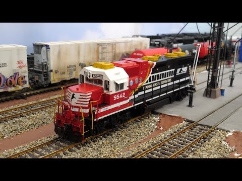 "Atlas GP38 Norfolk Southern ""First Responders"" NS #5642 - Review"
