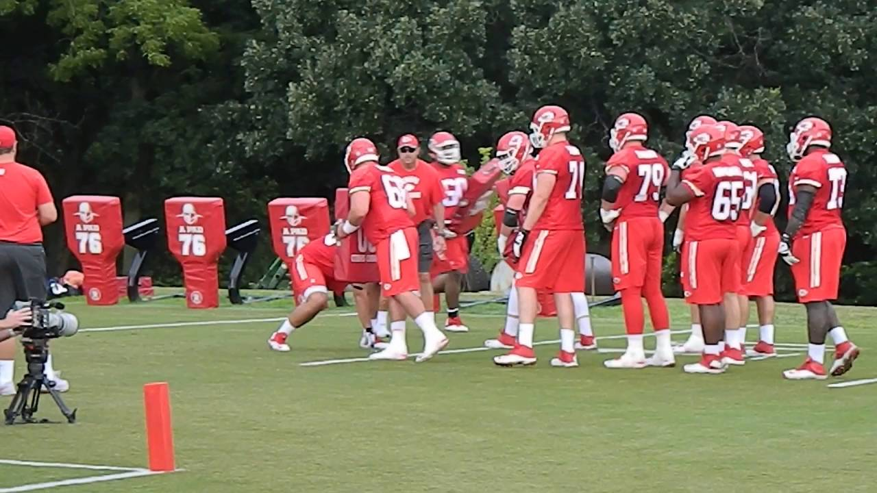 Travis Kelce, Tyreek Hill, Justin Houston expected to play Sunday
