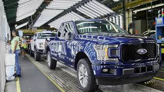 FORD FACTORY: 2019 F-150 Production at Dearborn Truck Plant (USA)