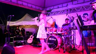 FABIANA MONERÓ -  How can I go on (live )