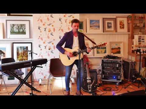 "Mark W Georgsson Playing ""Oh My Dear Friend"" At A Braemar Gallery Session, Scotland, July 2017"