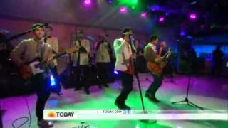 Jonas Brothers Live POM POMS in  TODAY SHOW  04.25.13