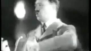Adolf befiehlt, alle Frauen sollen Große Titten haben