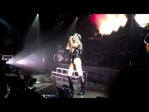 Ke$ha - Supernatural (Live in St. Paul, MN)