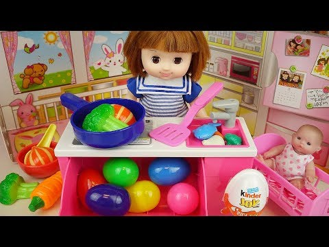 Baby doll Kitchen and Surprise eggs kinder joy, food toys play