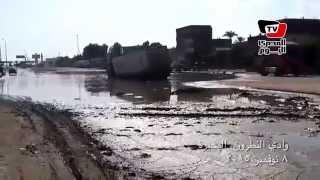 انزلاق سيارة نقل على طريق الإسكندرية الصحرواي