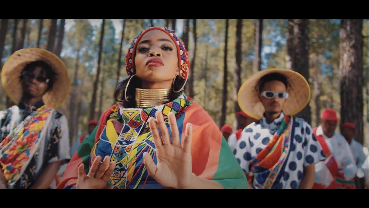 Download Zanda Zakuza - Afrika [feat Mr Six21 DJ, Bravo De Virus & Fallo SA] (Official Music Video)