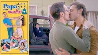 El agente Rodrigo y su marido llegan a la privada | Papá a toda madre - Televisa thumbnail