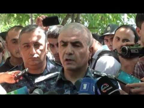 Армянский мятеж: здание полиции и заложники захвачены в Ереване