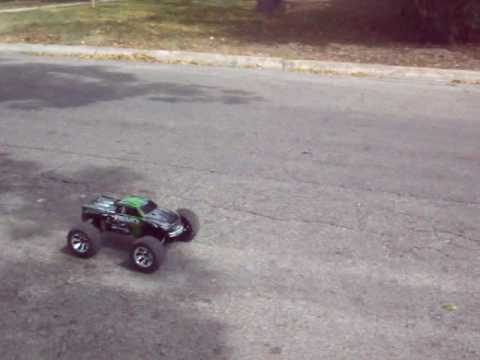 Traxxas revo 3.3 5309 new one...just some wheelies,,blah blah blah