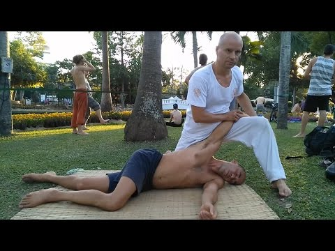 Dynamic Yoga massage