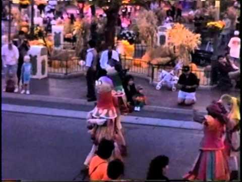Disneyland Parade Hunchback Of Notre Dame Oct 31 1997