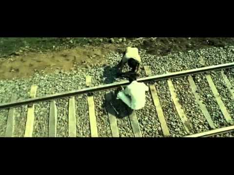 Ajay Devgn Smuggling Goods Across Railway Tracks - Once Upon